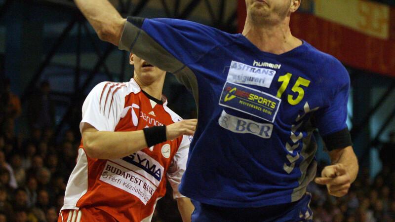 Marian Cozma, aplaudat minute in sir de suporterii unguri! VIDEO