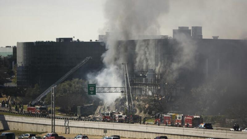 Avion prabusit in Texas peste o cladire de sapte etaje