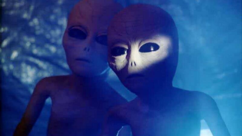 Povestea incredibila a romancei care a ramas insarcinata cu un extraterestu