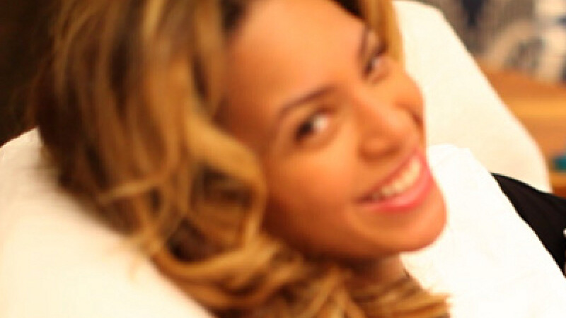 Beyonce fara machiaj. Iti place cum arata? VEZI FOTO in text