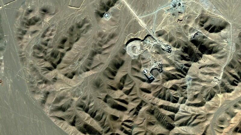 Imagine din satelit cu o presupusa facilitate nucleara a Iranului