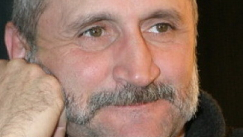 Drama actorului Serban Ionescu. Imobilizat de o boala grava, dupa ce a fost intepat de o capusa