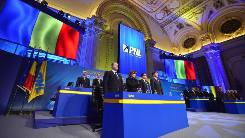 Crin Antonescu a fost reales presedinte al PNL.1434 de voturi