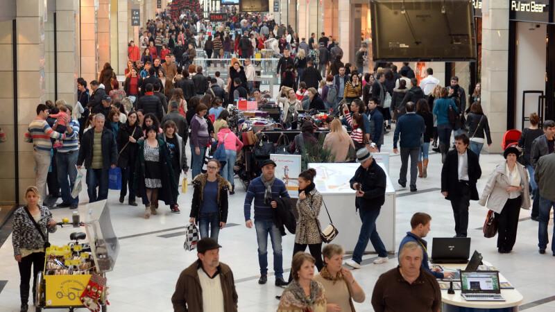 Vacanta la romani: redecorarea casei. Studiu Nielsen: Ce ii face pe romani unici in Europa cand raman cu bani in plus
