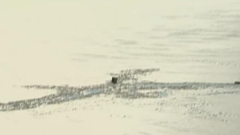 Un pescar si doua persoane ce au vrut sa-l salveze au fost la un pas de a ingheta in Lacul Snagov