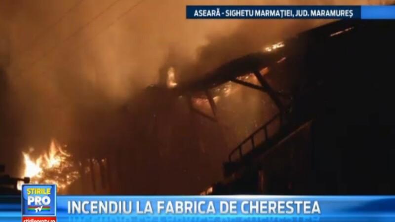 Panica in Sighetu Marmatiei. O fabrica de cherestea a fost aseara mistuita de flacari