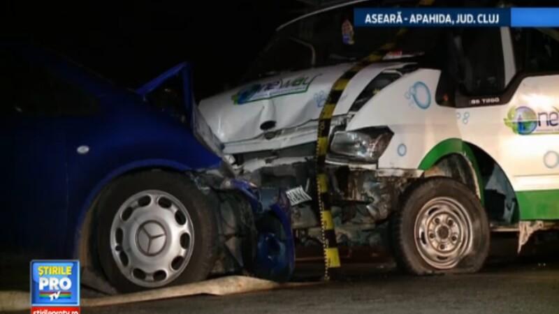 Accident stupid in judetul Cluj. O depasire neregulamentara a trimis doi oameni in spital
