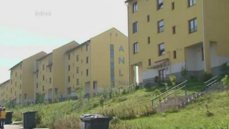 Blocuri ANL in sate de batrani si centre after school fara angajati. Proiectele fara minte gandite de primarii din Romania