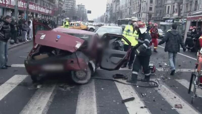 Grav accident in centrul Capitalei. Doua persoane au murit, alte trei au fost transportate la spital cu rani grave