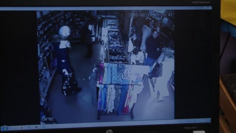 Trei femei suspectate de furturi in serie sunt cautate de politistii clujeni