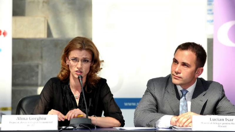 Alina Gorghiu, Lucian Isar