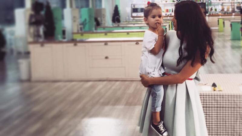 Nicolle Stanese cu fetita ei
