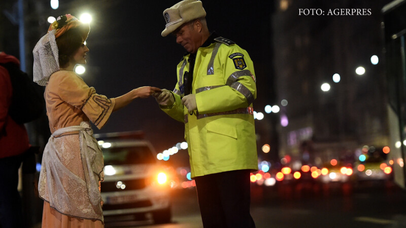 politist si actrita in costum de epoca