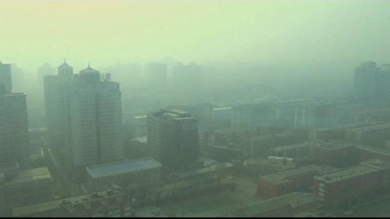 Locuitorii din Beijing nu scapa de poluare nici in case.