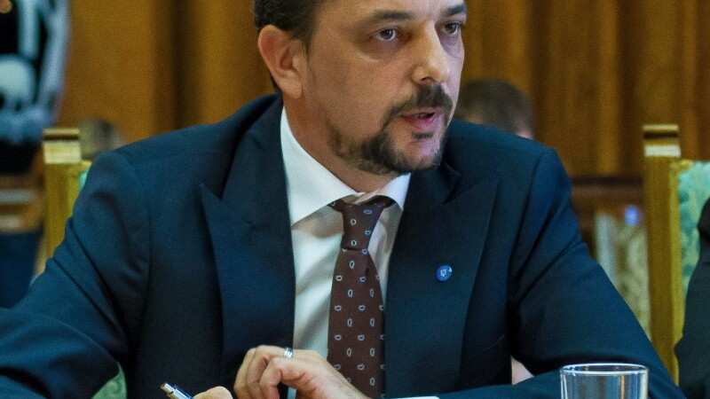 Un secretar de stat a demisionat din Guvern in urma ordonantei care modifica codurile penale si anunta ca va iesi in strada