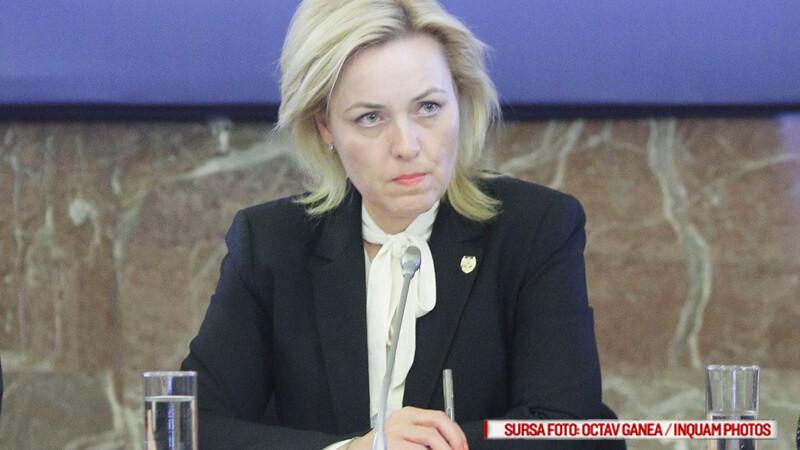 Ministrul de Interne se plange ca i-a aparut numarul de telefon pe Facebook.
