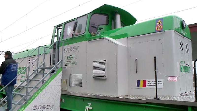Locomotiva hibrid