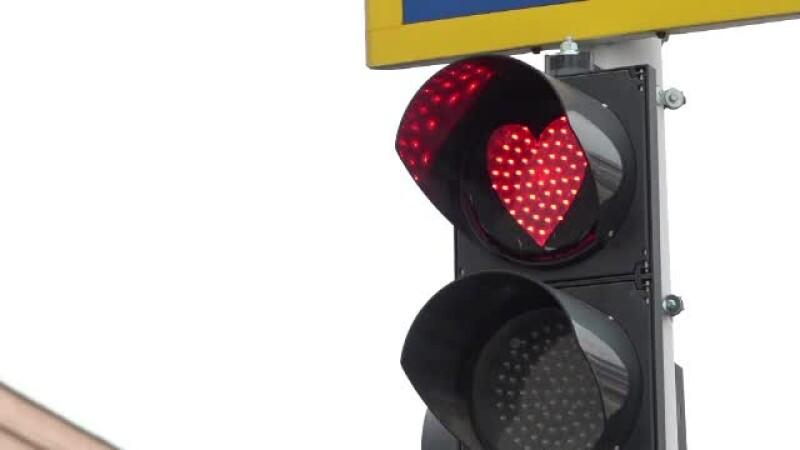 Dragobete. Orașul în care luminile de la semafoare au fost în formă de inimi