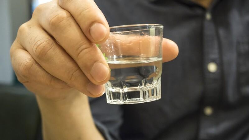 alcool india morti