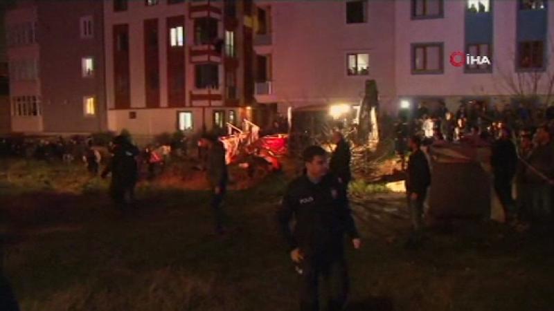 Un elicopter militar s-a prăbuşit într-un cartier din Istanbul: 4 morți. VIDEO