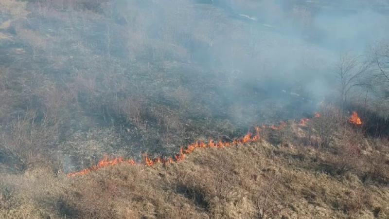 Zeci de incendii în Prahova