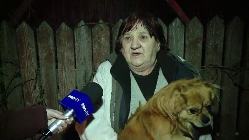 Casă mistuită de flăcări, în Cluj. O familie a rămas pe drumuri