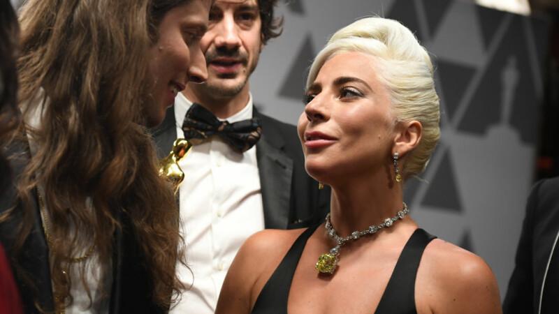 Oscar 2019. Lady Gaga cu un diamant uriaș la gât, purtat și de Audrey Hepburn