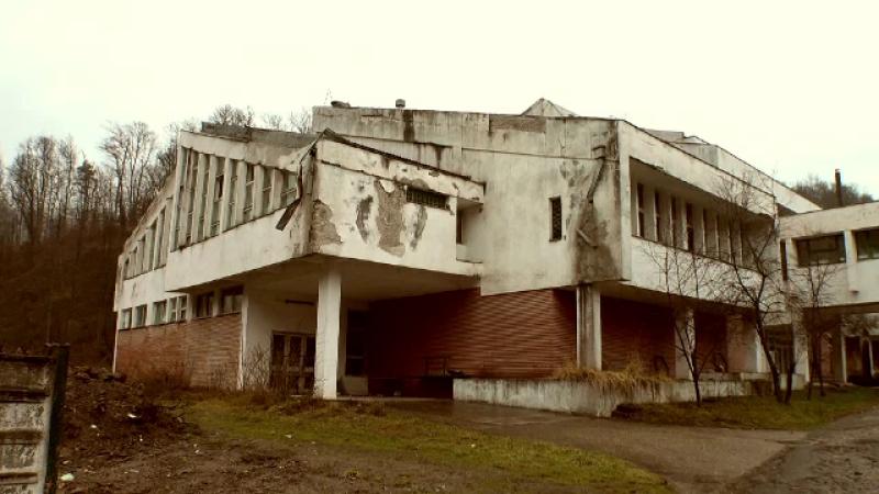 Situația dezolantă în care a ajuns Moneasa, stațiunea care făcea furori printre turiști