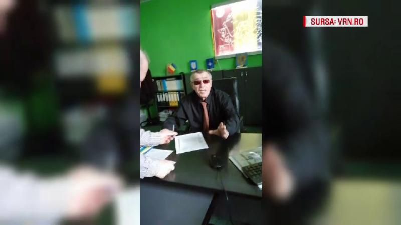 Reacția șefului ISC Vaslui după ce a fost filmat beat la birou