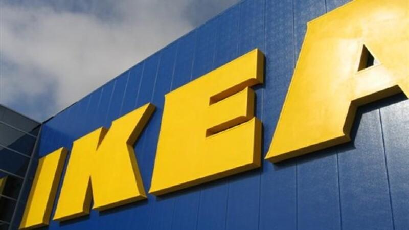 Ikea retrage hotdogii din restaurantele din Marea Britanie. Carnatii ar contine carne de cal