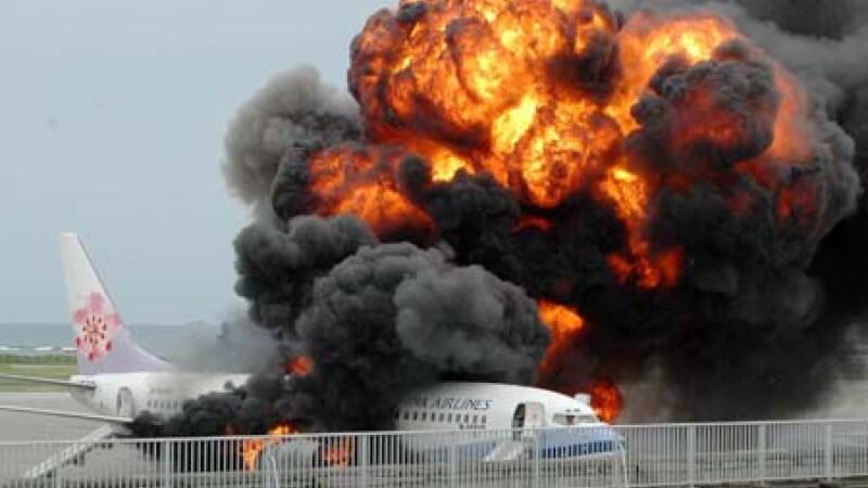 Avion explozie