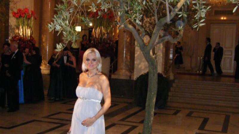 Jojo si sotul sau au fost la bal in Viena