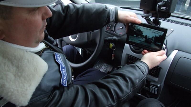 Şoferii vor putea plăti din nou amenzile rutiere direct la poliţist