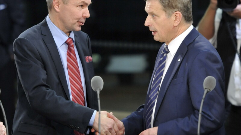 Sauli Niinistoe (dreapta) si Pekka Haavisto