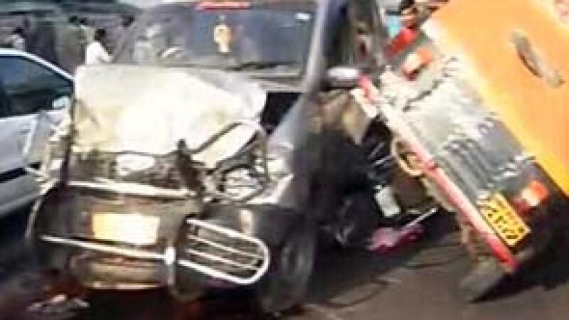 Accident autobuz India