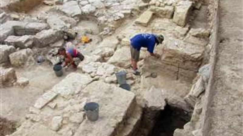 tezaur, Artezian, Crimeea 3
