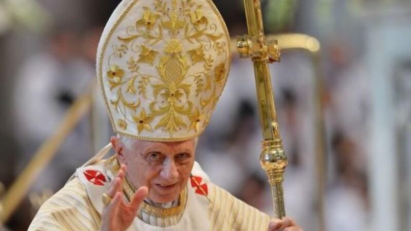 Papa Benedict al XVI-lea isi anunta demisia incepand cu 28 februarie. Motivul din spatele deciziei