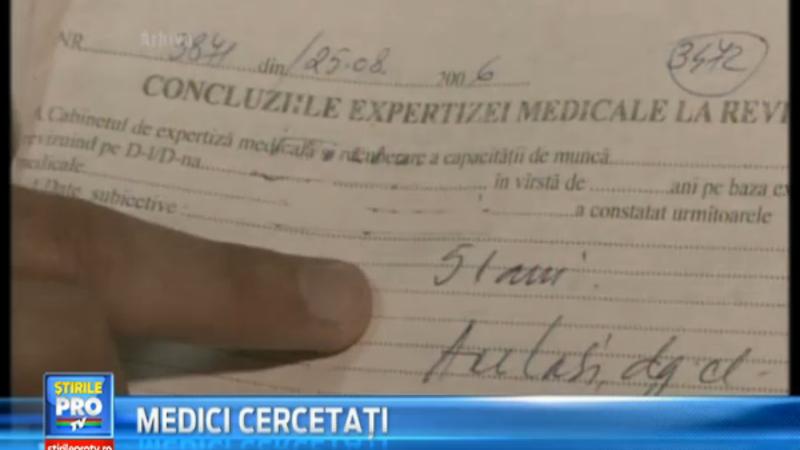 Doi medici din Salaj sunt suspectat de afaceri cu pensii ilegale. Cum ii pensionau mai devreme pe pacienti