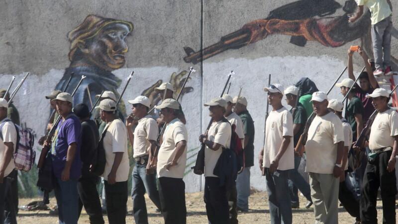 Michoacan, statul mexican in care taranii au luat armele in maini ca sa lupte cu traficantii de droguri. FOTO si VIDEO