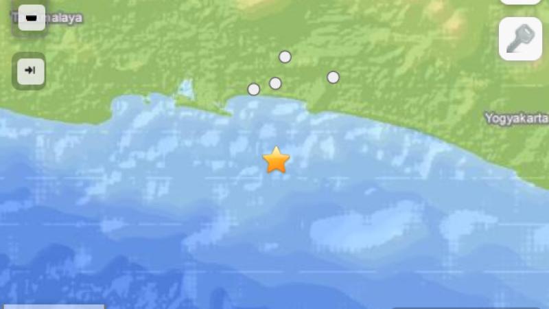 Cutremur cu magnitudinea de 6,1 in largul insulei indoneziene Java. Nu au fost avertizari de tsunami