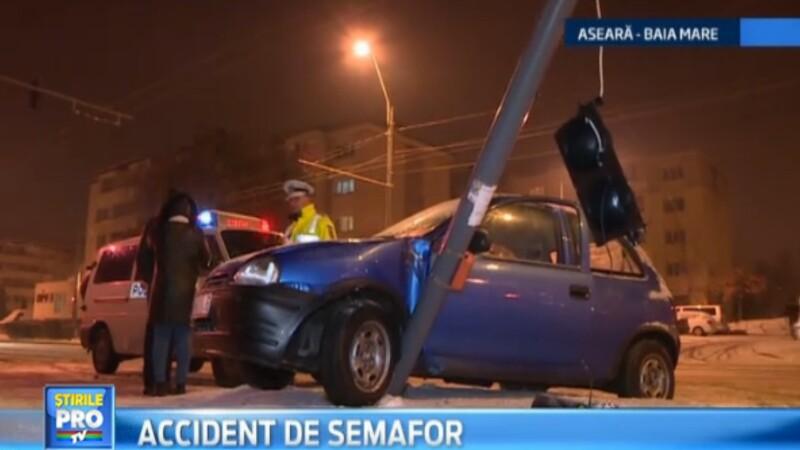Accident stupid in Baia Mare. Un pieton a fost lovit de un semafor