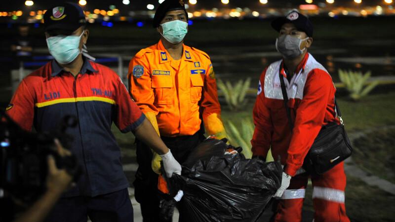 Sunetele detectate de un vapor in zona unde s-a prabusit avionul AirAsia. Expertii cred ca provin de la cutiile negre