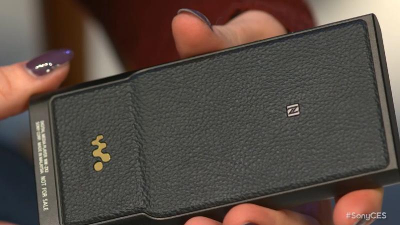 CES 2015. Sony a relansat unul dintre gadgeturile audio simbol al anilor '90 in toata lumea. Gizmodo: