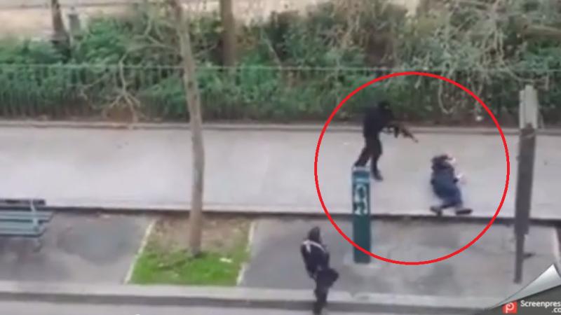 Imaginile masacrului din Paris. VIDEO cu momentul in care un politist este impuscat in cap, in atacul de la Charlie Hebdo