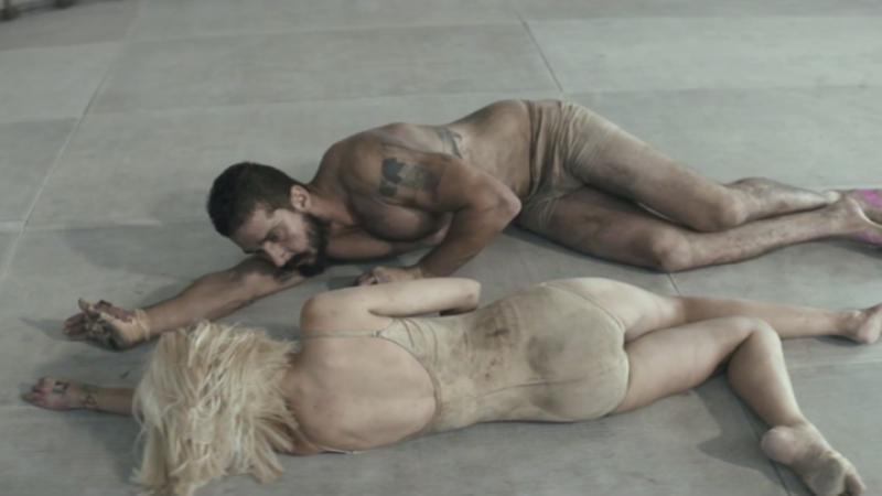 Sia, fortata sa-si ceara scuze pentru videoclipul controversat al piesei Elastic Heart: Am anticipat acuzatiile de pedofilie