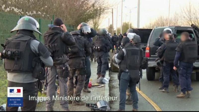 Primele imagini filmate de fortele franceze cu asaltul asupra fratilor Kouachi: Au iesit si au tras in rafala spre jandarmi