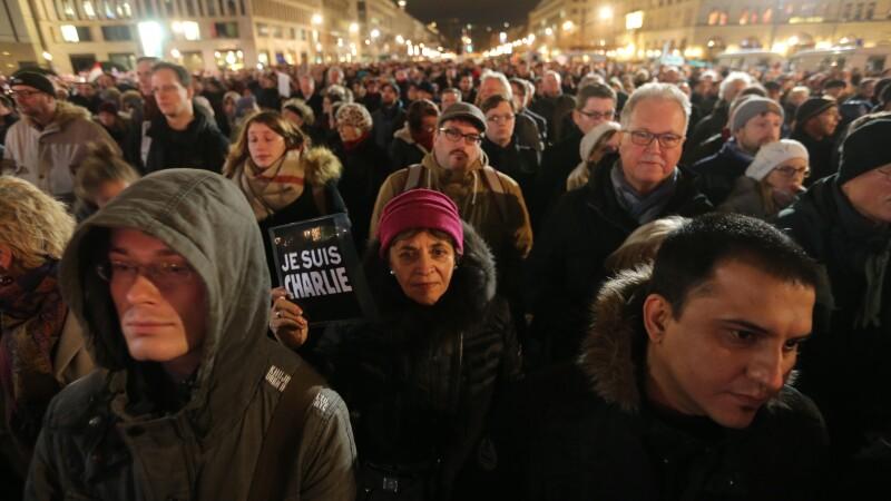 10.000 de oameni, inclusiv Angela Merkel, la mitingul contra terorismului de la Berlin: