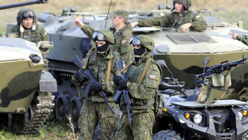 Vladimir Putin ar putea trimite parasutisti in Serbia. Ce vor rusii sa faca in 2015 in tara vecina cu Romania