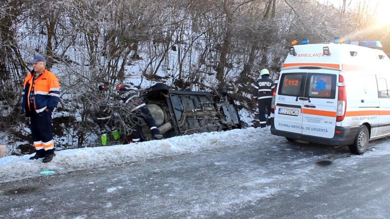 Accident identic la doar trei minute diferenta la iesire din localitatea Nicula