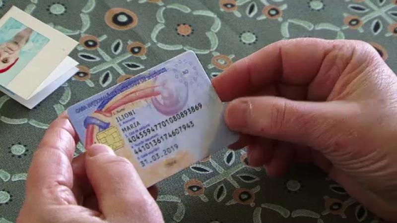 CNAS a tiparit 30.000 de carduri de sanatate pentru decedati. Cum se scuza oficialii: